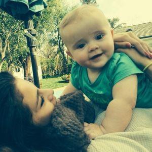 Selena Gomez Berubah karena Bayi Ini