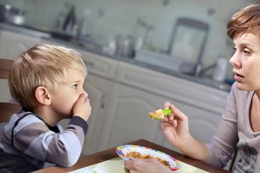 Cara Mengatasi Anak Yang Pemilih Saat Makan