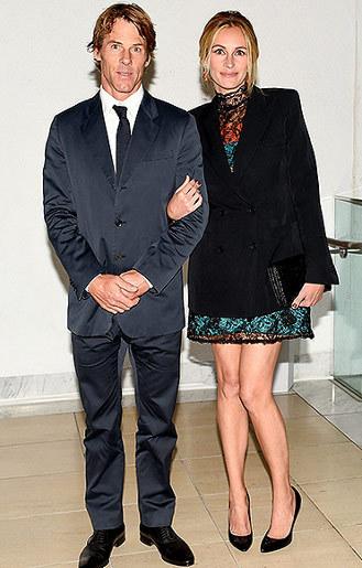Julia Roberts Serahkan Urusan Gaya Berbusananya kepada Suami
