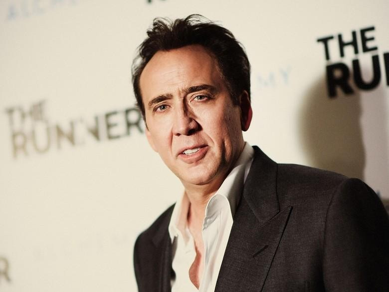 Pasca Gugat Cerai Istri, Nicolas Cage Kepergok Cium Wanita Lain