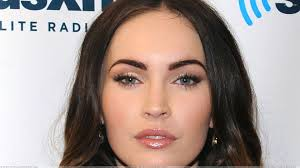 Megan Fox Kepincut Perut Six Pack Rain