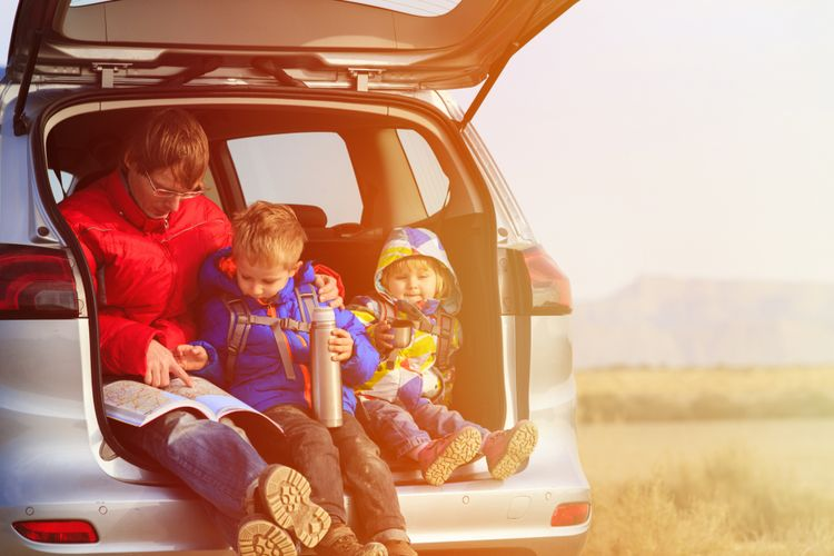 Tips Agar Anak Tak Rewel Saat Melakukan Road Trip