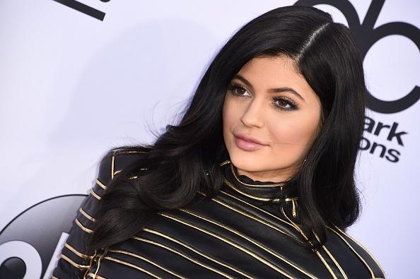 Tak Kuat Menerima Bullying, Kylie Jenner Menangis