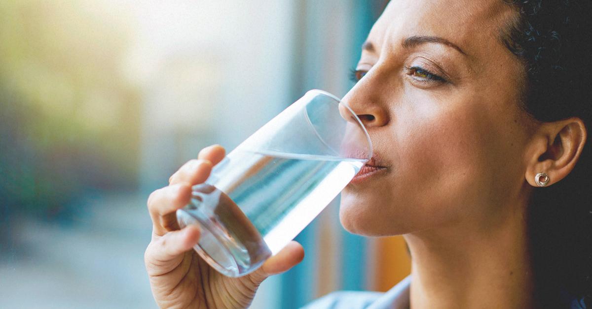 Minum Air Putih Terlalu Banyak Menyebabkan Keracunan?