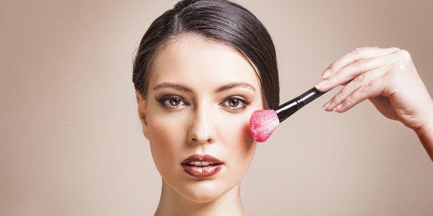 5 Produk Makeup Lokal Terbaik, Dibawah 50 Ribu?