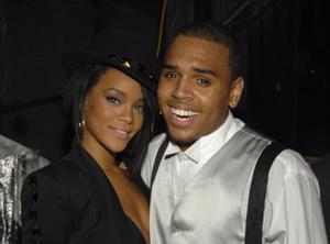 Rihanna Bakar Surat Permohonan Maaf dari Chris Brown