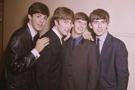 Kertas Lirik Lagu 'Hey Jude' The Beatles Terjual Rp14 Miliar