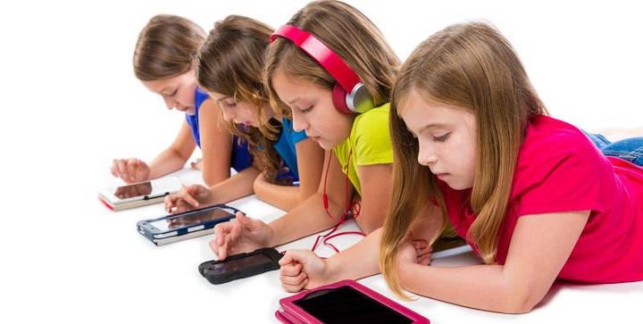 Bahaya Smartphone Untuk Anak