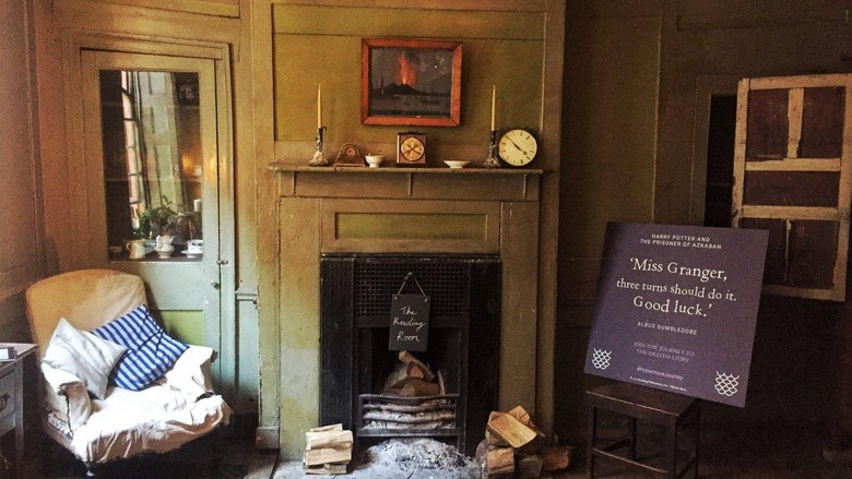 Merayakan Cerita ke-8 'Harry Potter and The Cursed Child' di Rumah Tua