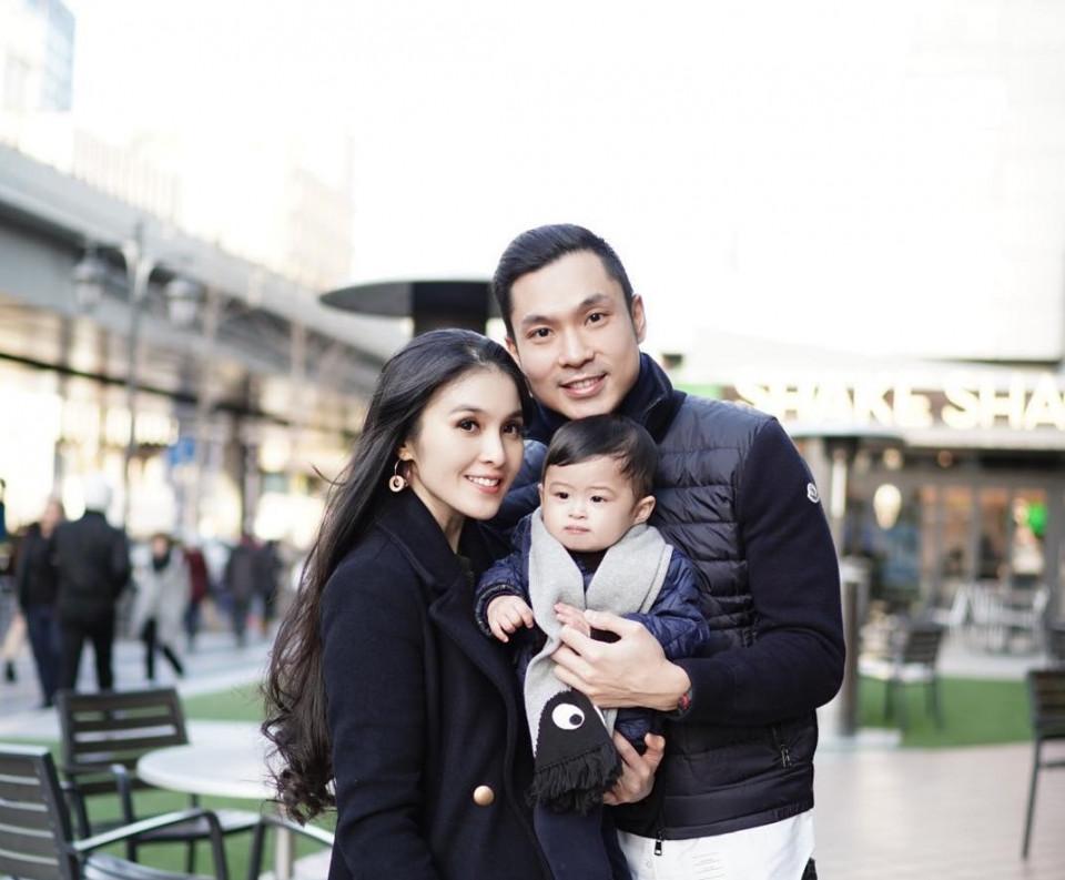 Bergelimang Harta, Sandra Dewi Masih Ragu Saat Beli Bedak