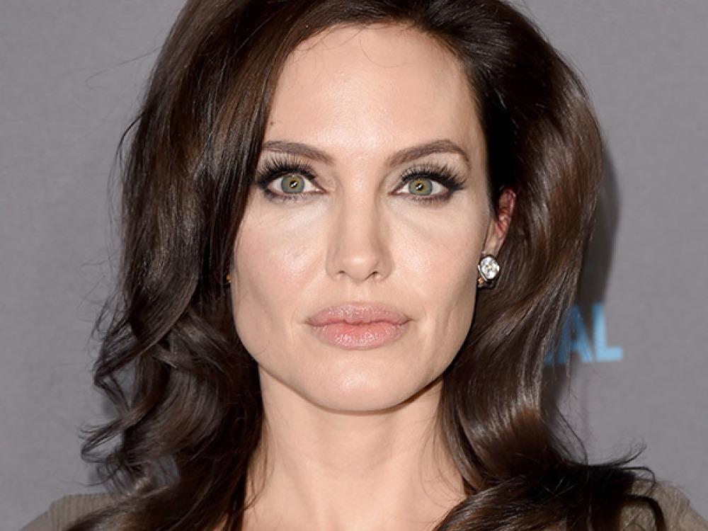 Alami Menopause Dini, Ini Curhatan Pilu Angelina Jolie