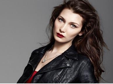 Model Ini Terpilih Jadi Wanita Tercantik Di Dunia!