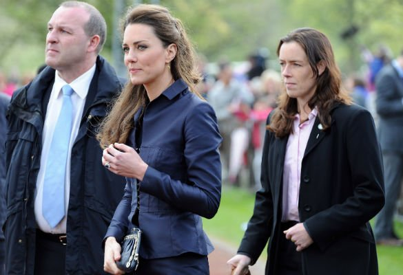 Putri Kerajaan Inggris Dikawal Bodyguard Perempuan
