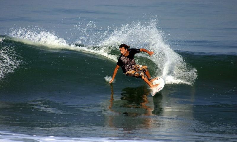 Canggu Bali Jadi Tempat Surfing Terfavorit di Dunia