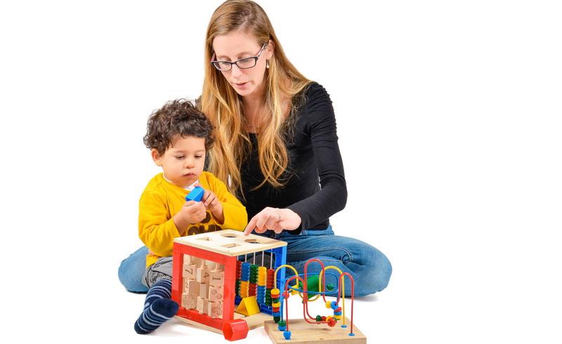 Cara Orangtua Menerima Kondisi Anak Autisme
