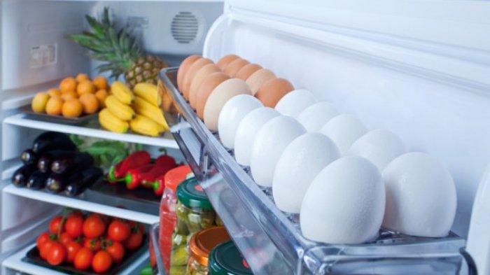 Jangan Simpan Telur di Rak Pintu Lemari Es