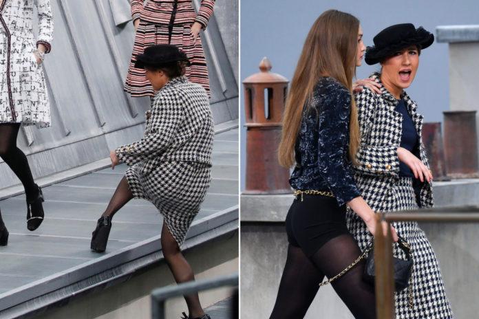 Model Ini Hadang Penyusup Menerobos Fashion Show!