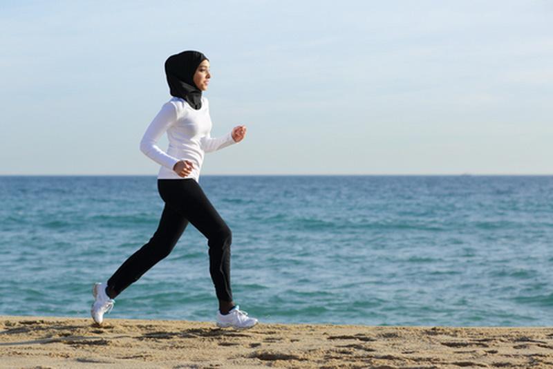 Haruskah Berhenti Berolahraga saat Berpuasa?