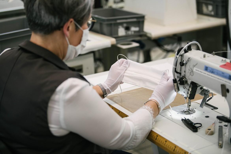 Louis Vuitton Ikut Produksi Ribuan APD dan Masker