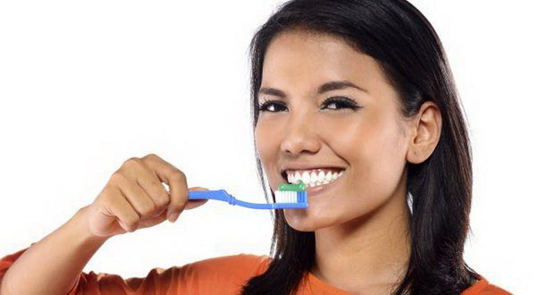 Ini Dampak Menyikat Gigi yang Salah