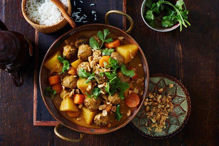 Kari Sayur Dan Daging, Mantap Untuk Musim Hujan