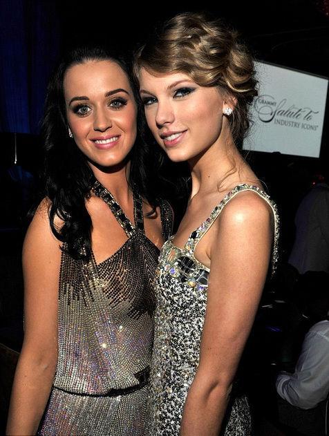 Taylor Swift - Katy Perry Bertengkar Gara-Gara Berebut Penari?
