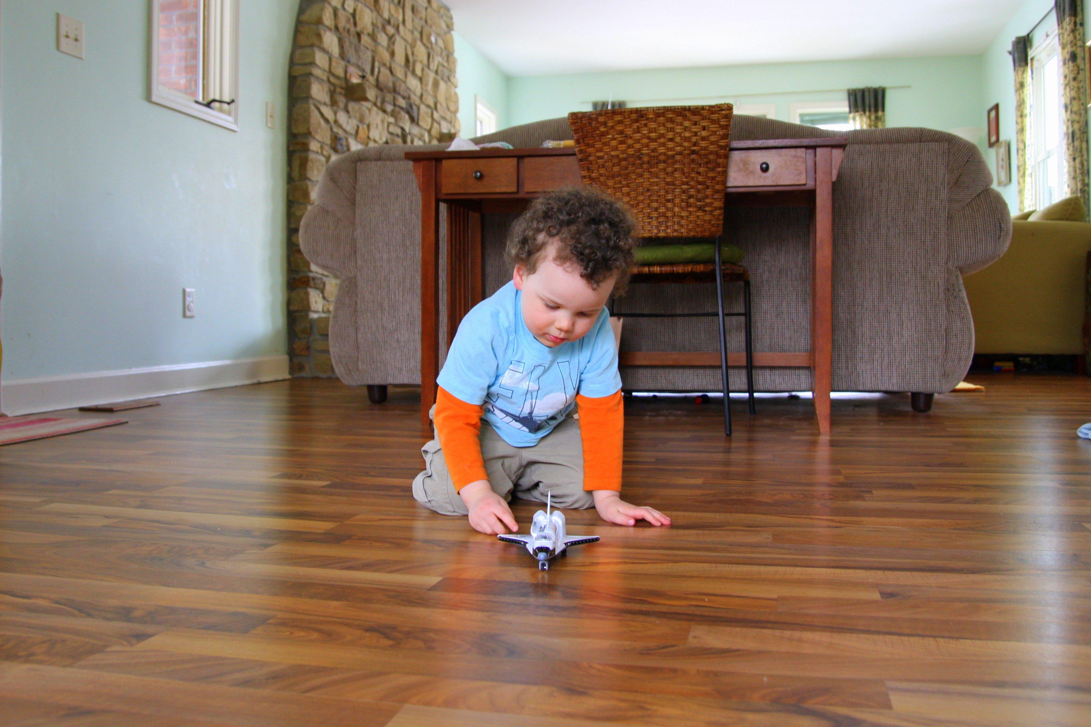 Rumah Terlalu Bersih Justru Bahayakan Kesehatan Anak!