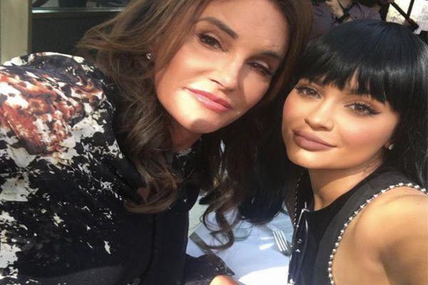 Kylie Jenner Lebih Sayang Ayahnya sebagai Perempuan