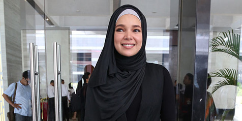 Lewat 'AIR MATA SURGA', Dewi Sandra Masuk Nominasi IBOMA 2016