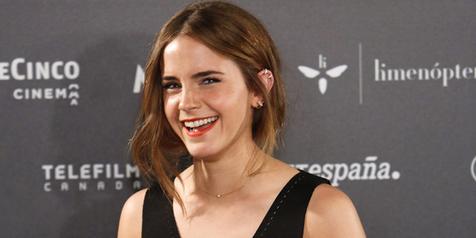 Makin Dewasa, Emma Watson Cium Mesra 'Pasangannya' di 'COLONIA'