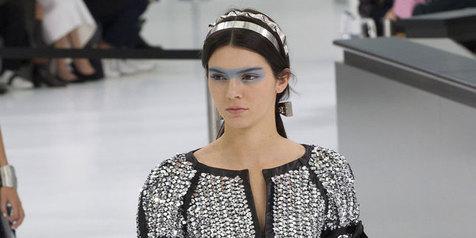 Merasa Dituduh Membully Kendall Jenner, Model Ini Buka Suara