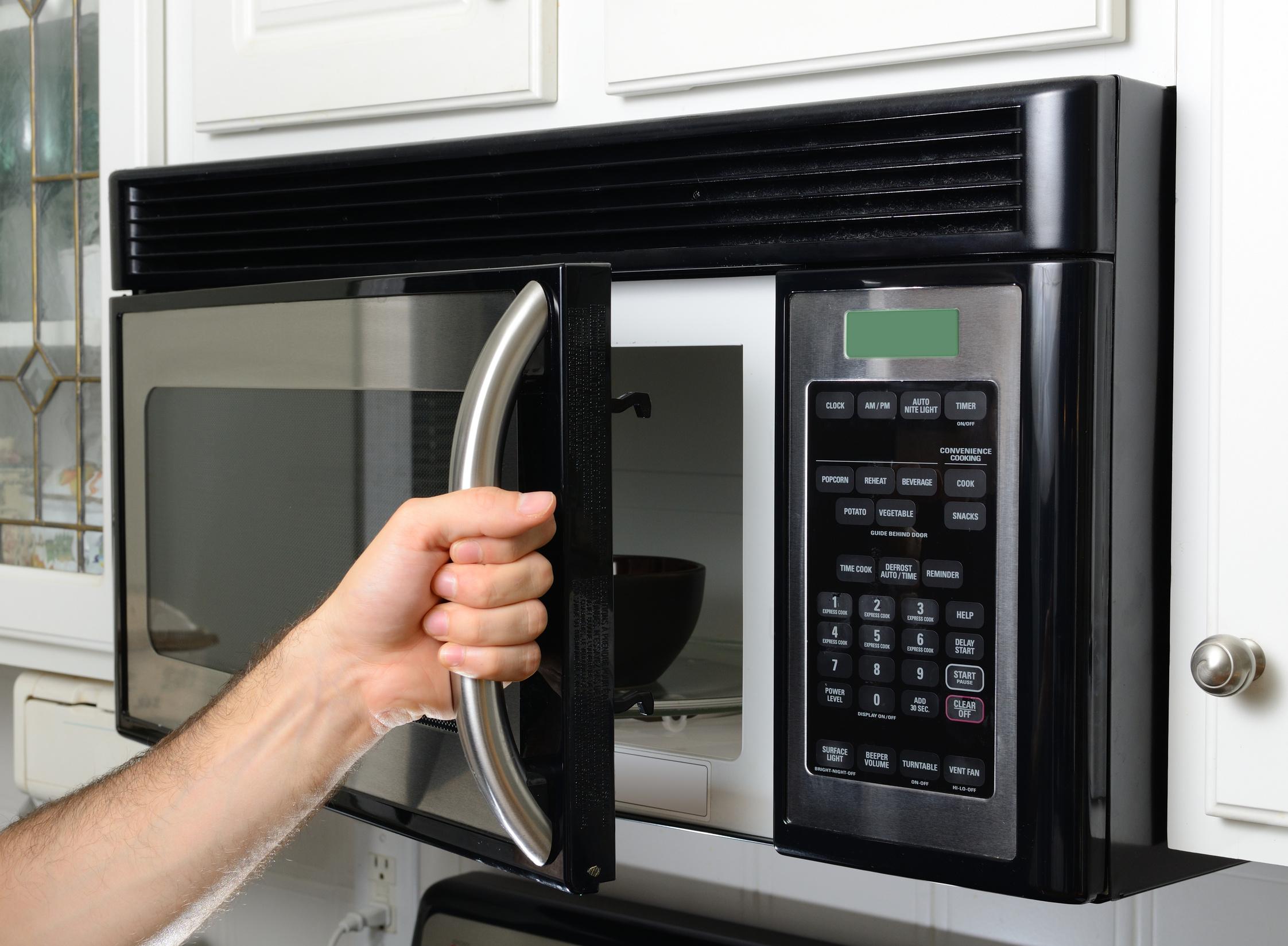 Deretan Makanan yang Tak Boleh Dipanaskan di Microwave