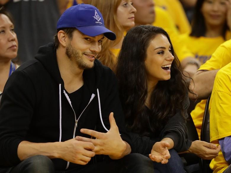 Mila Kunis Dikabarkan Hamil Anak Kedua dengan Ashton Kutcher
