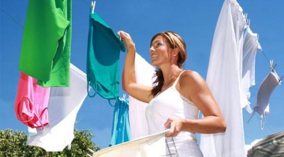 Mencuci Pakaian Berwarna Cerah, Tambahkan Cuka!