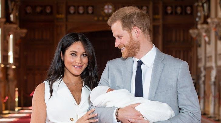 Pangeran Harry - Meghan Markle Dapat Kado Istimewa Dari Disney