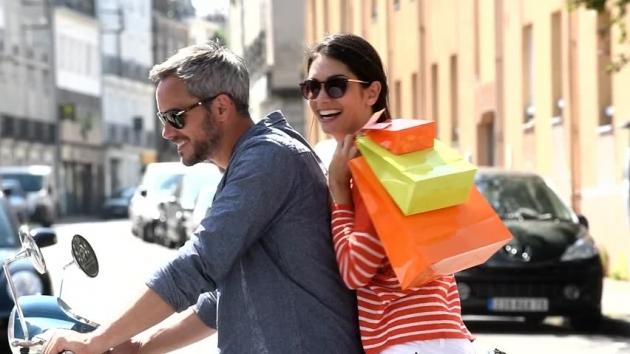 Membiarkan Wanita Shopping Membuat Lebih Bahagia?