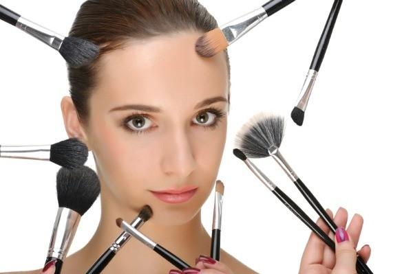 Ini Tandanya Anda Harus Segera Mengganti Kuas Make Up