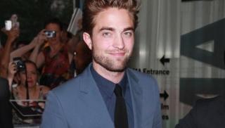 Sebulan Pacaran, Robert Pattinson Ajak Pacar Kumpul Kebo