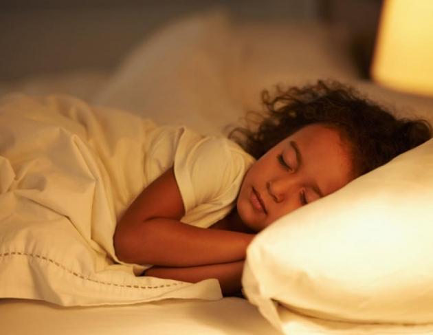 Tidur Malam Cukup Tingkatkan Prestasi Anak