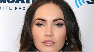 Megan Fox Kepincut Perut Six Pack Rain