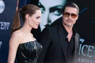 Akhirnya Brad Pitt - Angelina Jolie Menikah Setelah 10 Tahun!