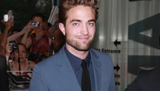 Gara-Gara Paparazzi, Robert Pattinson Jadi