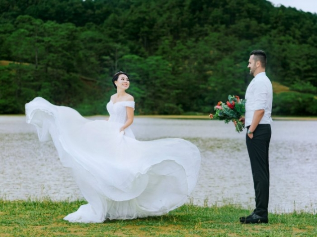 Perhatikan Hal yang Gak Perlu Dipakai Saat Foto Prewedding Berikut Ini!