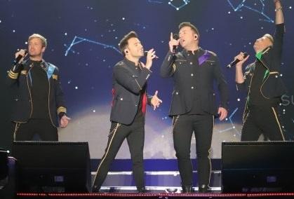 Westlife Sukses Hibur Fans Di Palembang