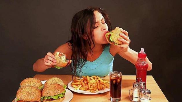 Tips Mengatasi Stres Akibat Banyak Makan Selama Libur Akhir Tahun