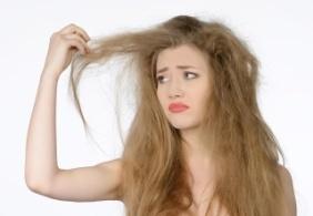 Tips Memperbaiki Rambut Kering dan Rapuh di Rumah