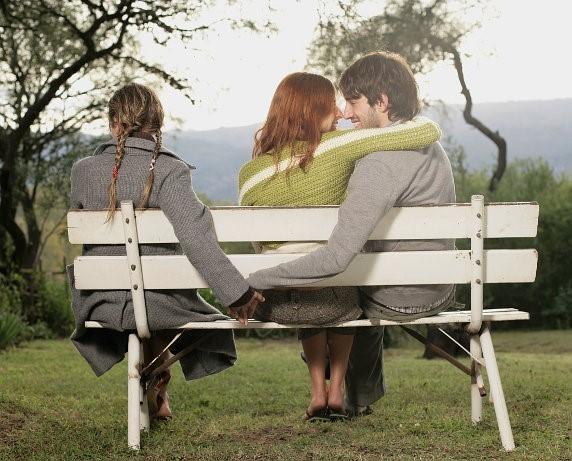 Ini Cara Mengetahui Pasangan Anda Selingkuh