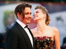 Ada Isu Selingkuh dalam Perceraian Johnny Depp-Amber Heard?