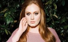 Adele Senang Akhirnya Bisa Pergi Memancing