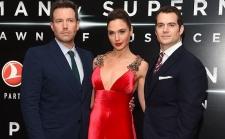 Aksi Cantik dan Tampan Pemain Batman v Superman